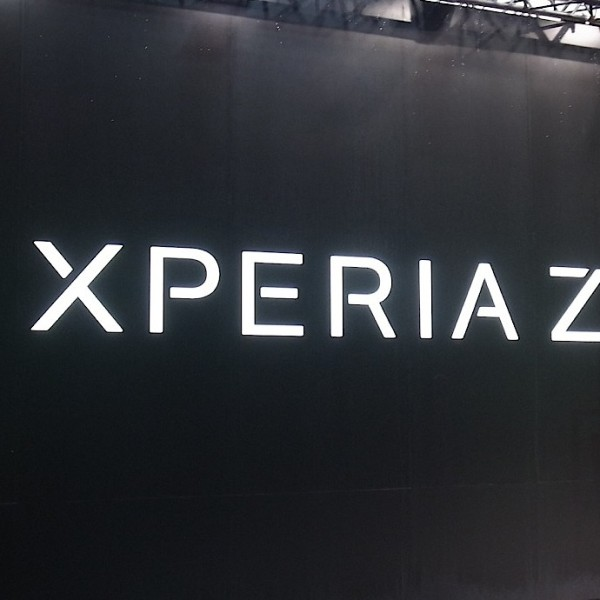 xperia-z1-touch-and-try.JPG