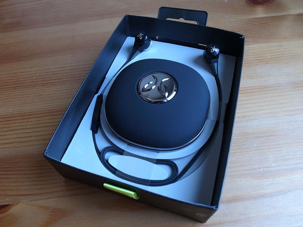 JayBird BlueBuds X ワイヤレス Bluetooth イヤホン box opened
