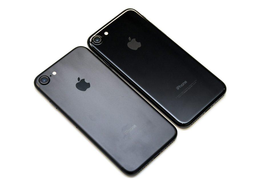iPhone 7 ブラック ジェットブラック 比較 写真_4