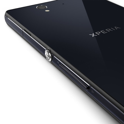 Xperia z and zl in ces 2013 4