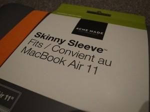 MacBook Airを優しく包み込んでくれるケース!Acme Made 11インチ Skinny Sleeve
