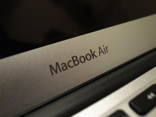 新型MacBook Air (11inch  Mid 2013) を買った!!