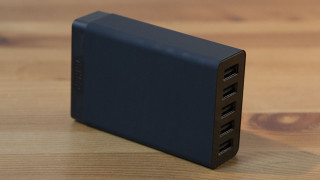 8Aの大容量出力でさらに捗る!Ankerの40W 5ポート USB急速充電器