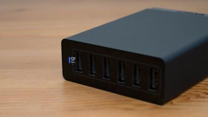 ポート・出力アップでさらに便利になった「Anker 60W 6ポート USB急速充電器」レビュー