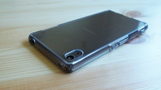Xperia Z4用耐衝撃ケースSpigen「ウルトラハイブリッド」レビュー