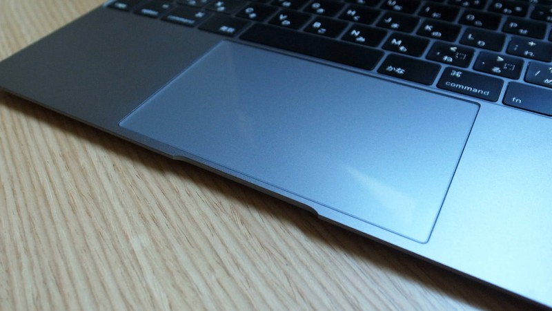 指触りがさらっさらに?マイクロソリューションのMacBook用トラックパッドフィルムを試してみた
