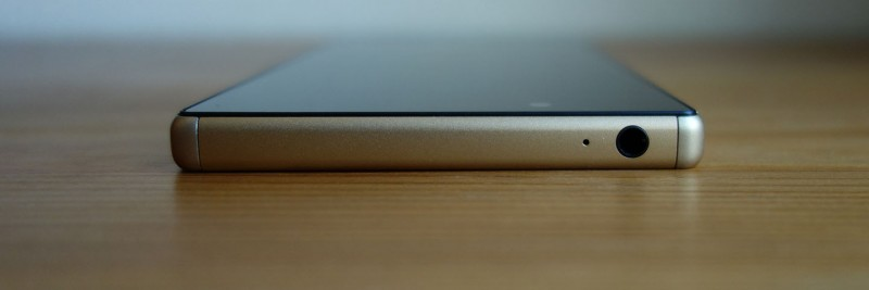 Xperia Z5 Dual E6683_7