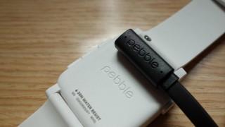 Pebble Timeの充電ケーブル(サードパーティ)買ったけどマグネットが弱いとかいうことはなかった