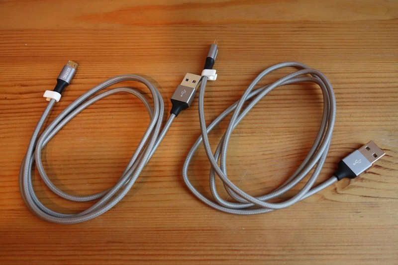 omaker-reversible-usb-cable_01
