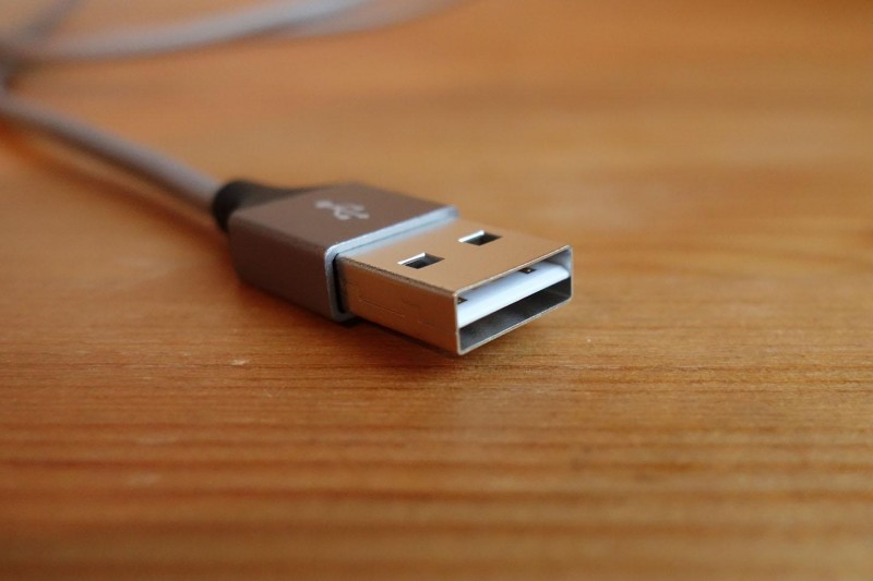 omaker-reversible-usb-cable_02