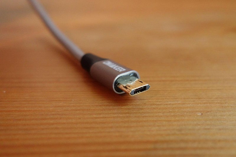 omaker-reversible-usb-cable_03