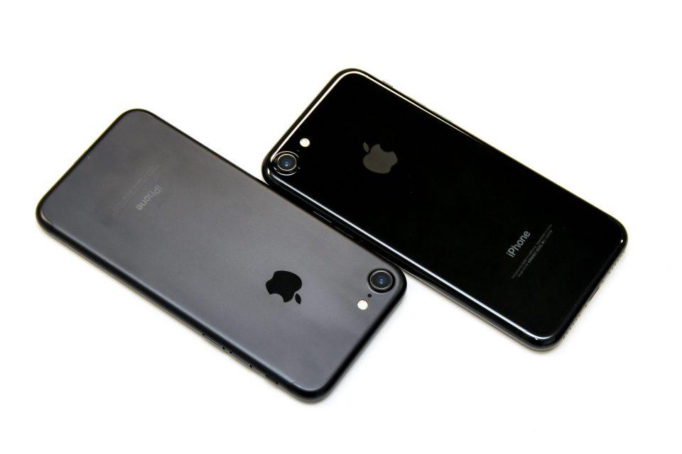 iPhone 7 ブラック ジェットブラック 比較 写真_5