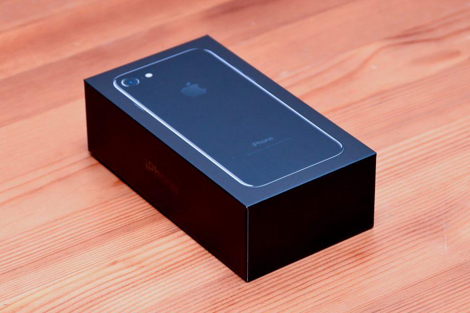 iPhone 7 ジェットブラック 外観 フォトレビュー_1