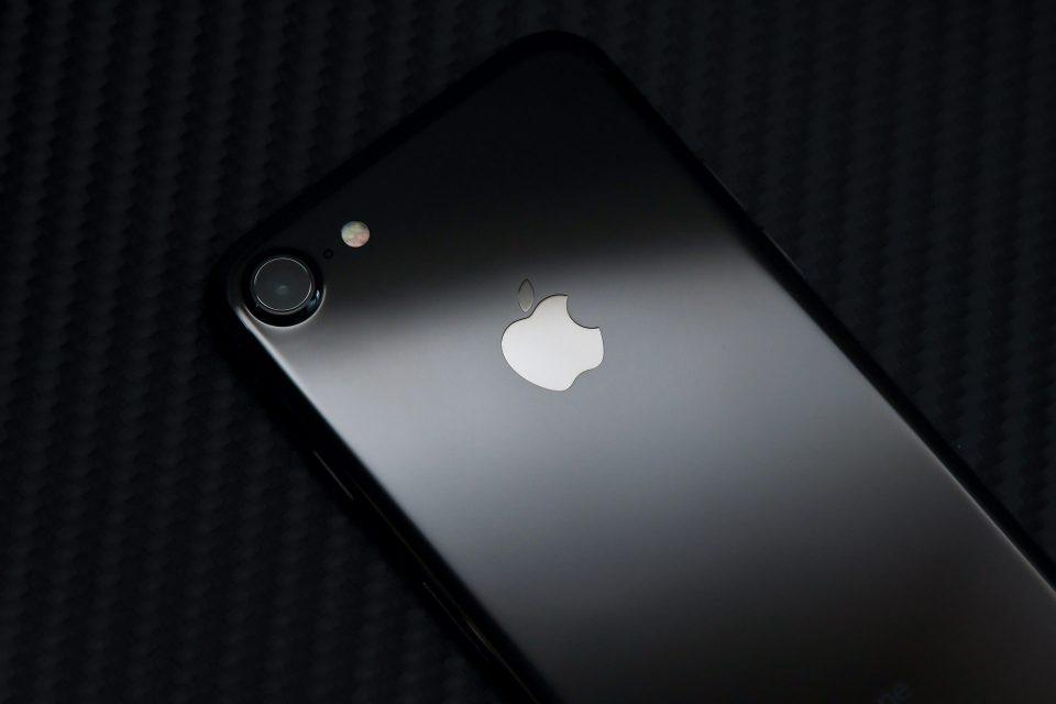 iPhone 7 ジェットブラック 外観 フォトレビュー_10