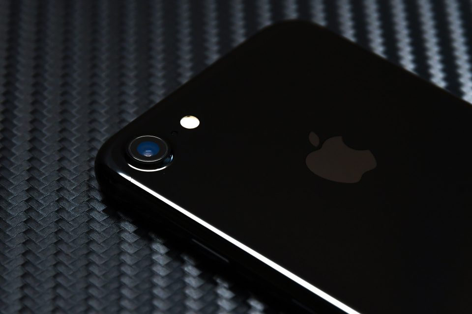 iPhone 7 ジェットブラック 外観 フォトレビュー_12
