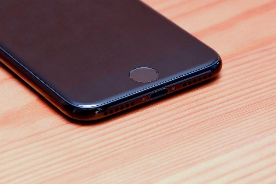 iPhone 7 ジェットブラック 外観 フォトレビュー_7