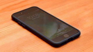 Spigen「リキッド・アーマー for iPhone 7」レビュー。ナイスなホールド感が気持ちいい