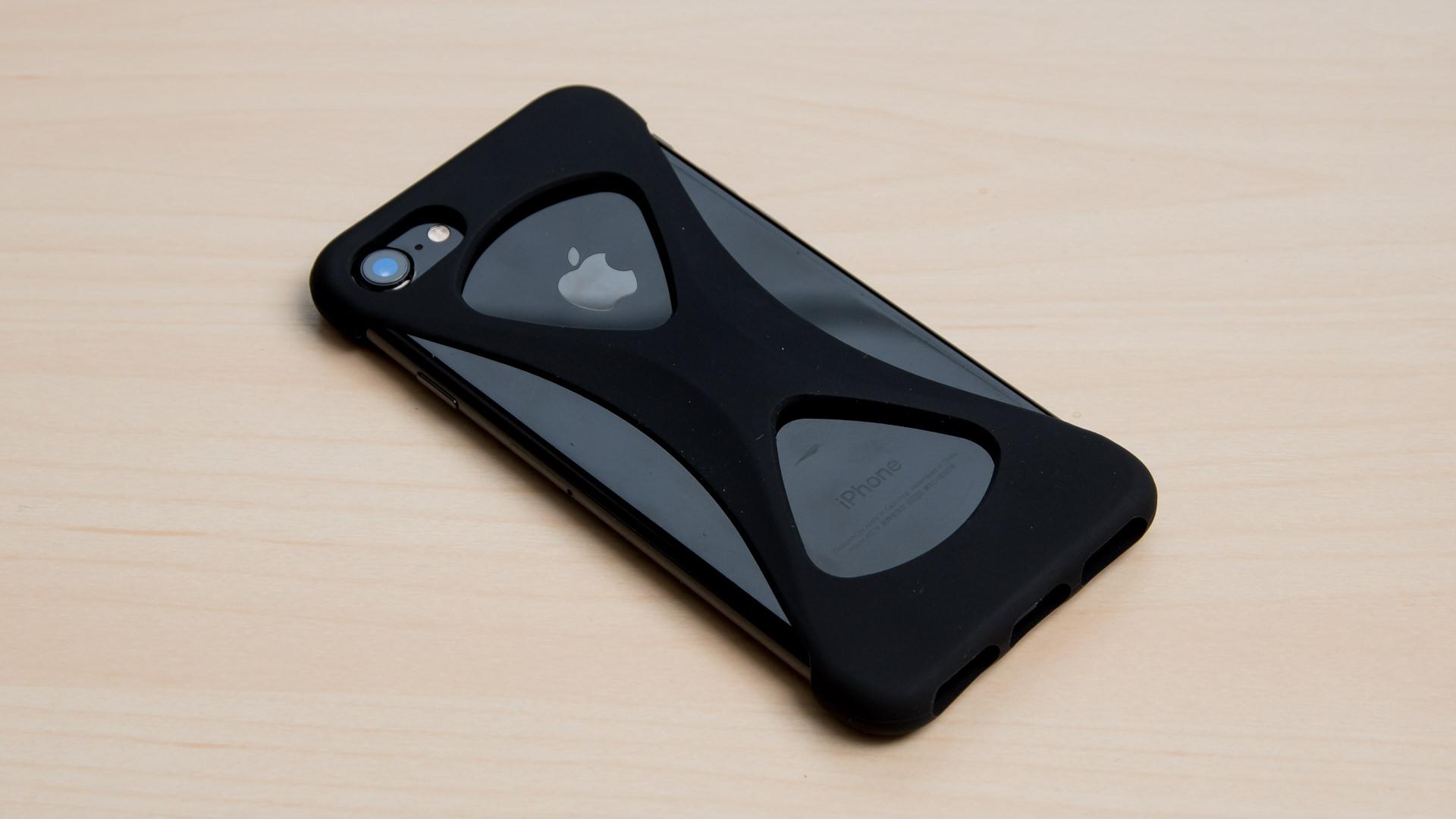 デザイン性と耐衝撃性を併せもつ画期的なiPhoneケース「Palmo」レビュー