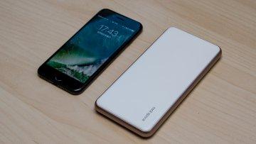 iPhone 7のデザインにマッチするモバイルバッテリー「rock space Cardee Power Bank」レビュー