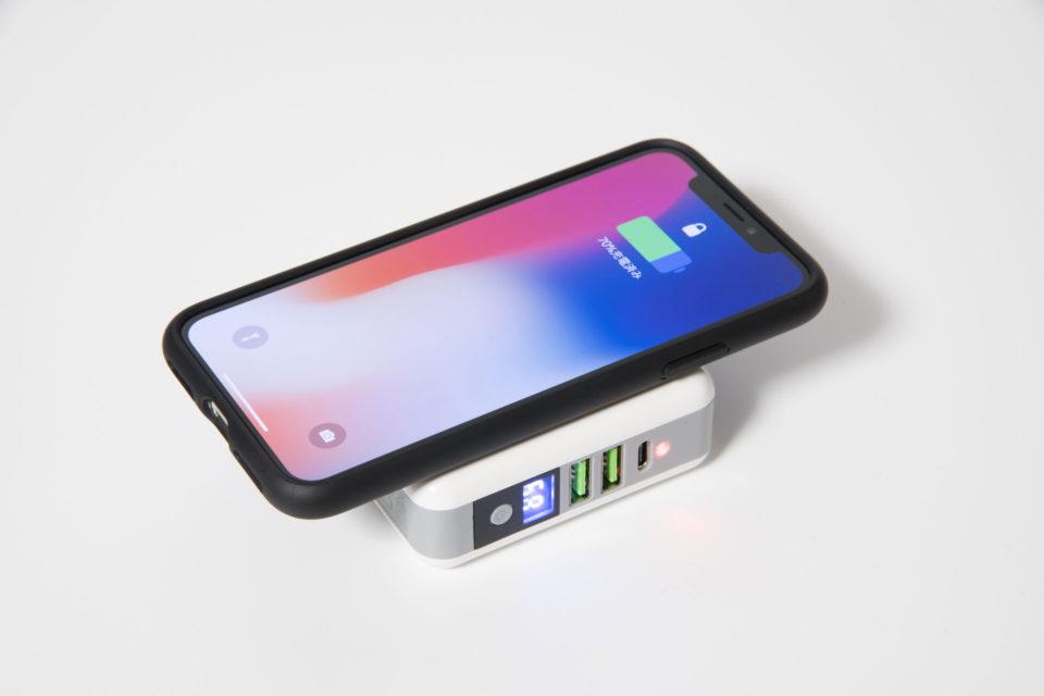 モバイルバッテリー qi ワイヤレス充電器でiPhone Xを無線充電