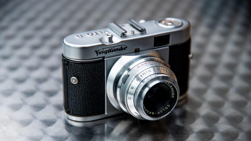 フルマニュアルのフィルムカメラ『Voigtländer vito B』が最高にかっこかわいい