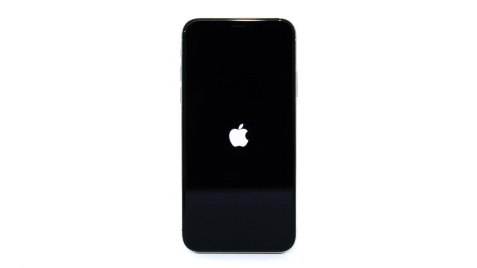 iPhone X / 8 / 8 Plus 強制的に再起動