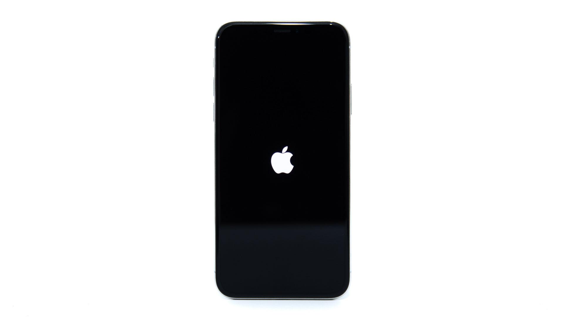 iPhone X / 8 / 8 Plusを強制的に再起動させる方法