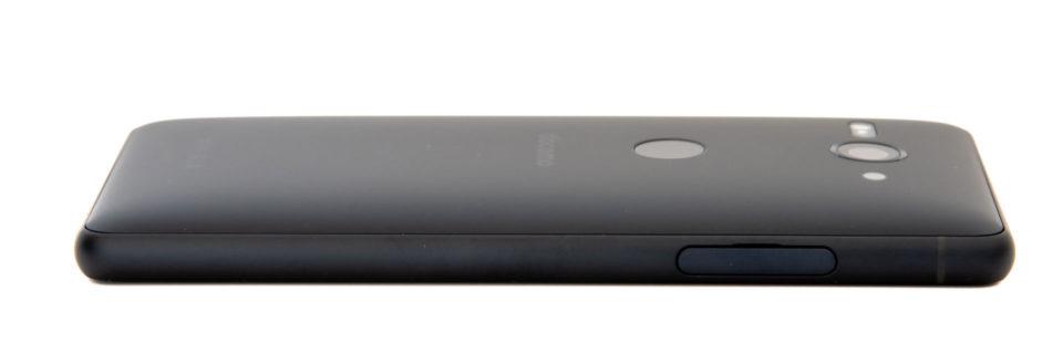 Xperia XZ2 Compact SO-05K 左サイドにSIMトレイ