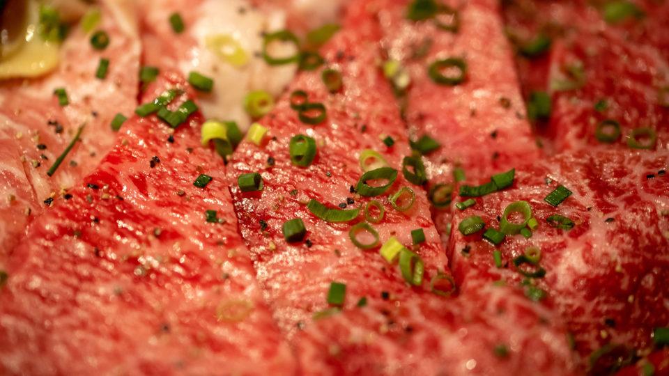 千駄木「肉と日本酒」で今年3回目の #超でこ肉会 やってきて完全に優勝した