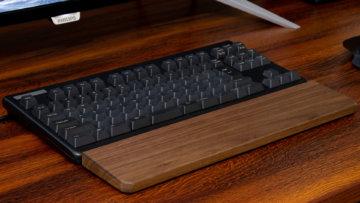 ウッドパームレストを導入したらキーボード使用時の手首の負担が減って最高