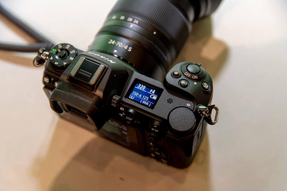 Nikon Z7の上部モニタ
