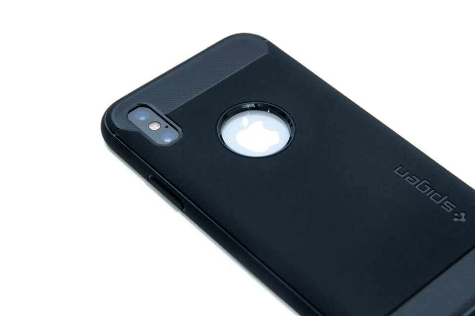 iPhone XS ラギッド・アーマ Appleロゴ部分