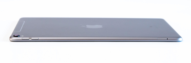 10.5インチ iPad Pro サイド