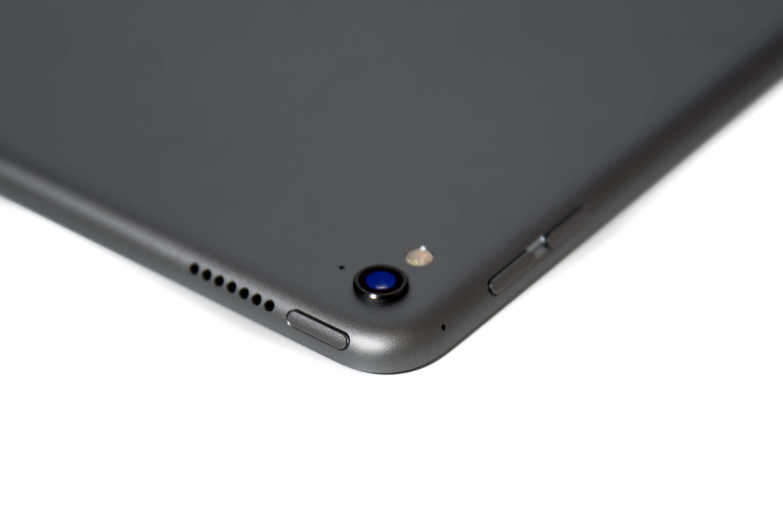 9.7インチ iPad Pro Wi-Fi カメラ部分