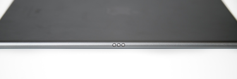 9.7インチ iPad Pro Wi-Fi SmartKeyboardコネクタ