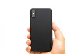 0.3mmと超薄型なmemumiのiPhone XS用ケース、着けた感じがしなくて気持ちいい