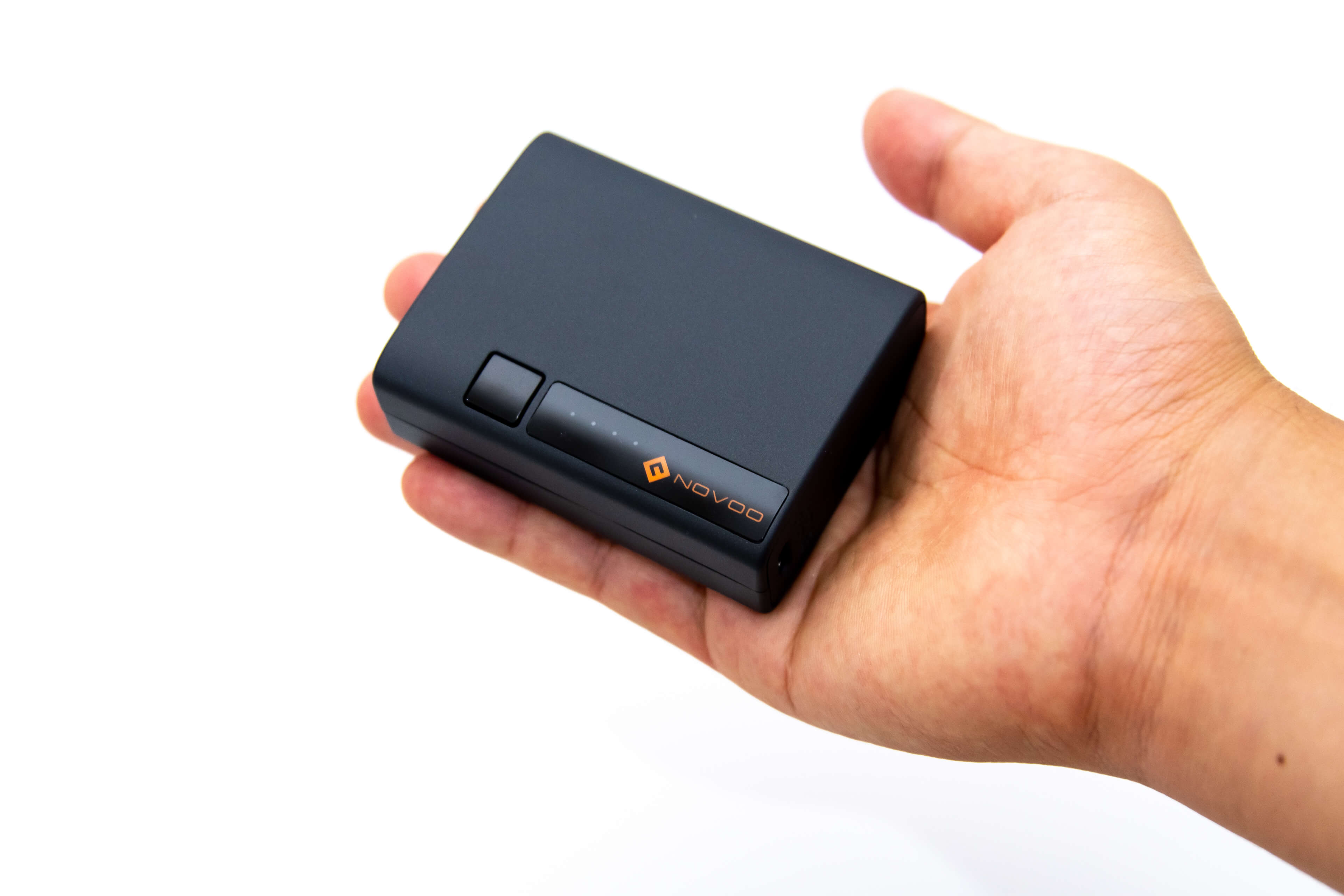 USB PD モバイルバッテリー Novoo PowerCube コンパクトなサイズ