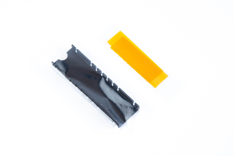 長尾製作所 M.2 SSD用ヒートシンク本体と耐熱絶縁テープ
