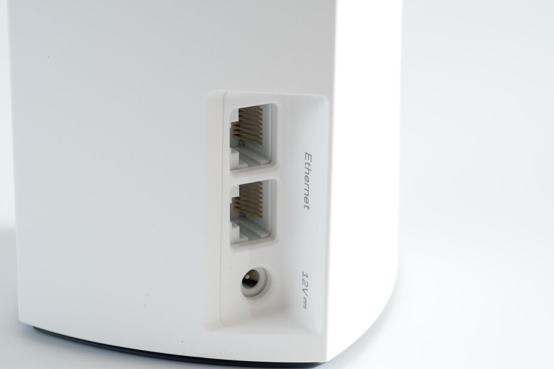 メッシュWi-Fiルーター「Velop」デュアルバンド イーサネットポートと電源