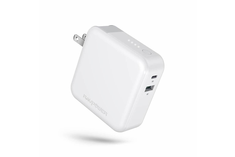 RAVPower、USB PD対応でACプラグ搭載のモバイルバッテリーを発売