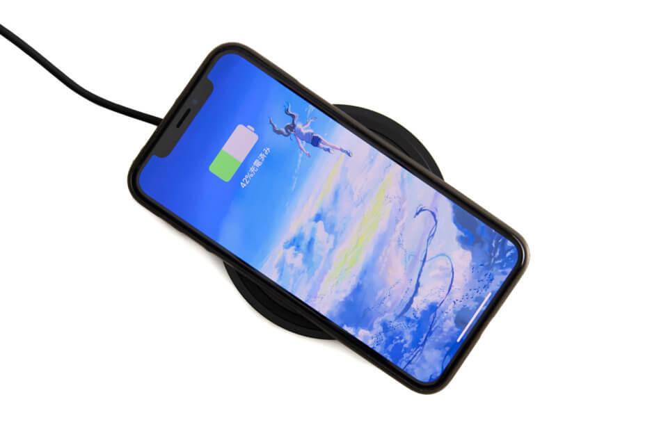 【レビュー】Qi対応スマホを最大速度で充電できるBelkinのワイヤレス充電器が便利