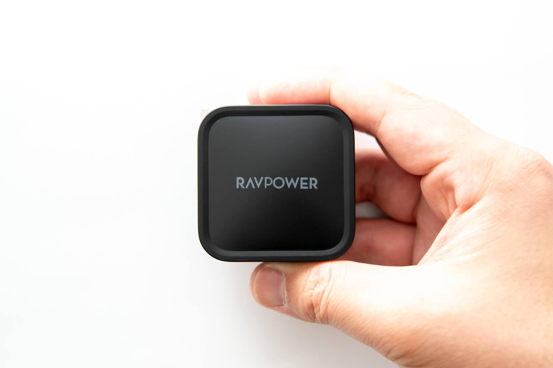 【レビュー】手のひらサイズで61W USB PDの対応のUSB Type-C充電器、かなりオススメ