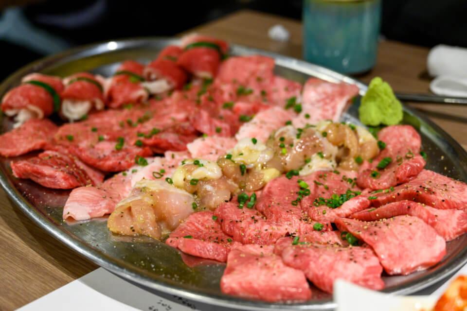 超でこ肉会 台風直撃寸前GIG at 肉と日本酒