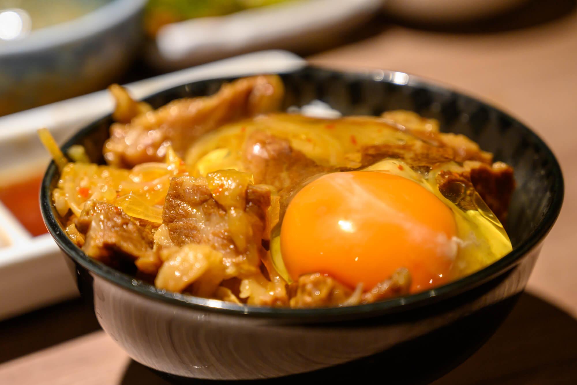 肉と日本酒の牛丼