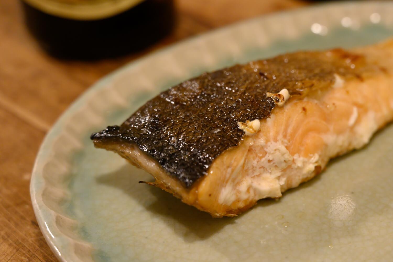 代田橋「しゃけ小島」で絶品鮭を食べつつ酒を飲む