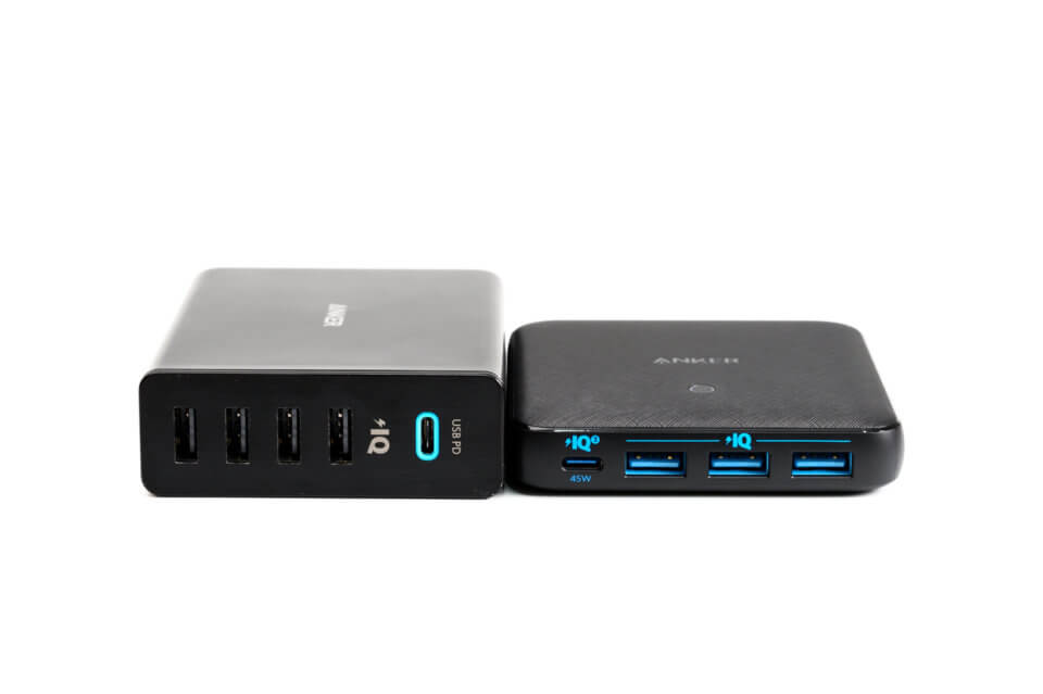 Anker PowerPort Atom III Slim (Four Ports)とAnker PowerPort+ 5 USB-C Power Deliveryの比較