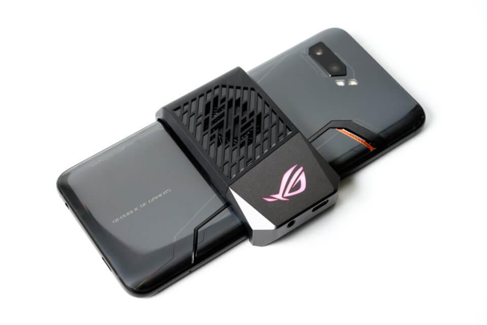 ROG Phone II のファン冷却システムAeroActive Cooler II