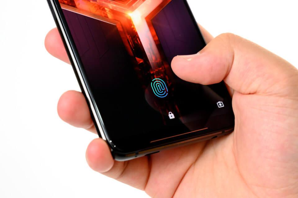 ROG Phone II の指紋センサーは画面内蔵型