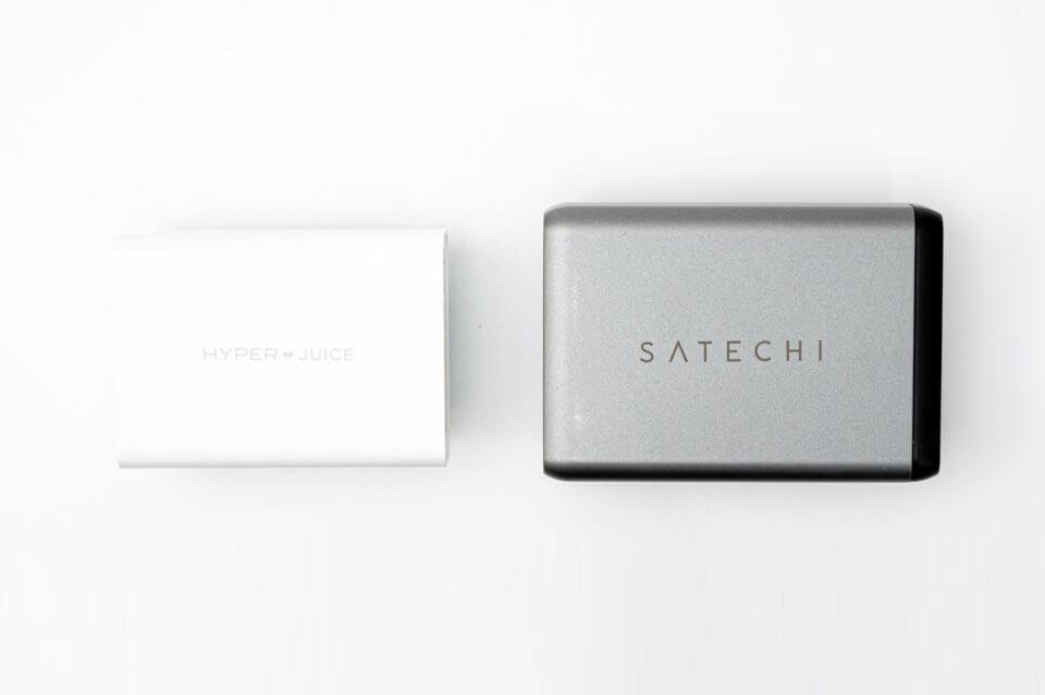 HyperJuiceとSatechiのトラベルチャージャーのサイズを比較