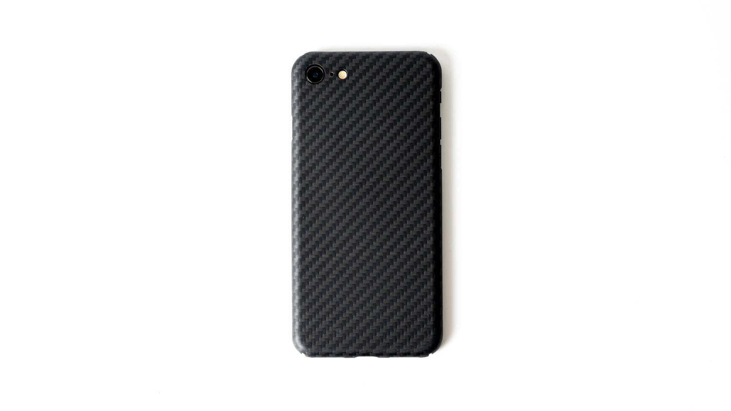 極薄・超軽量のiPhone SE用ケースDeff「Ultra Slim & Light Case DURO」レビュー